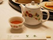 食前の烏龍茶も上品な味わい