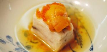 自家製さくら豆腐。季節の料理とお酒で舌づつみ。